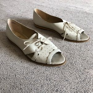 🍁Vintage Latigo leather white lace up flats 9.5